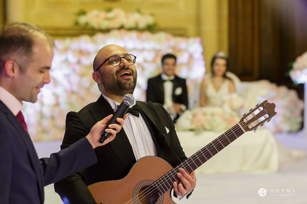 pinewood studios wedding photography brother of the groom sings