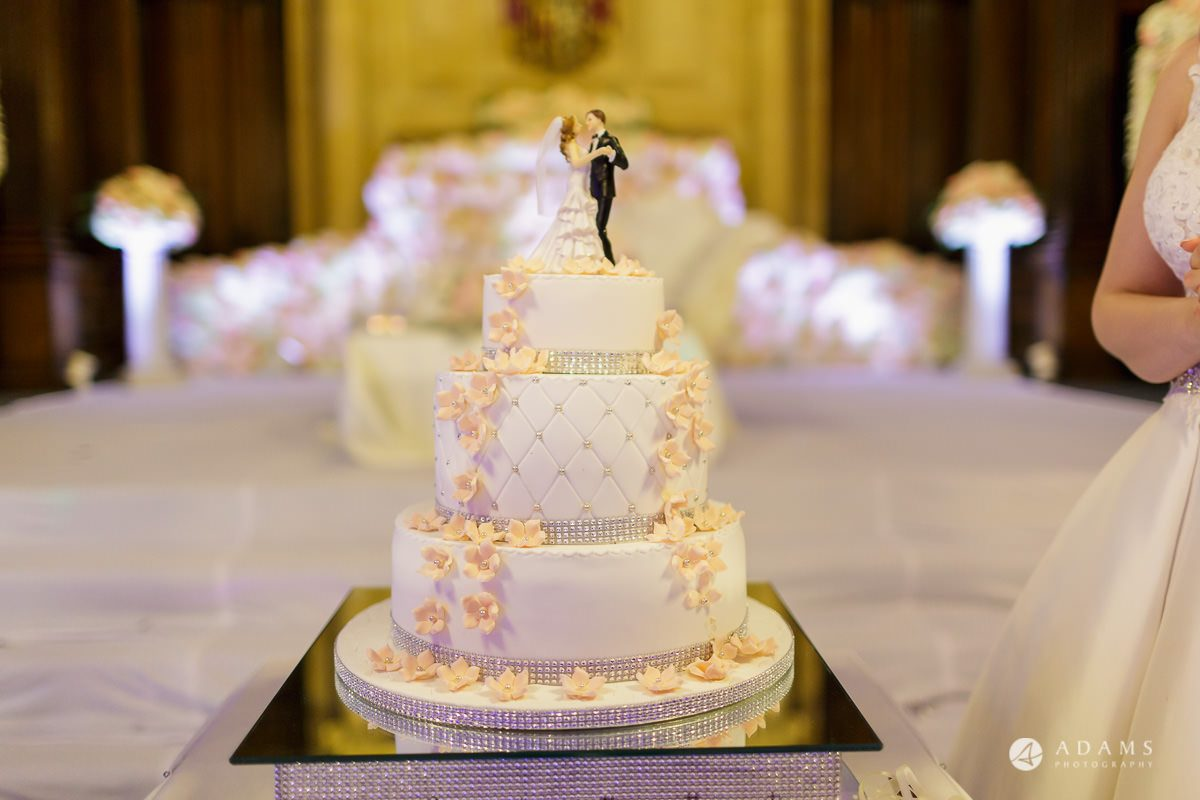 pinewood studios wedding photography wedding cake