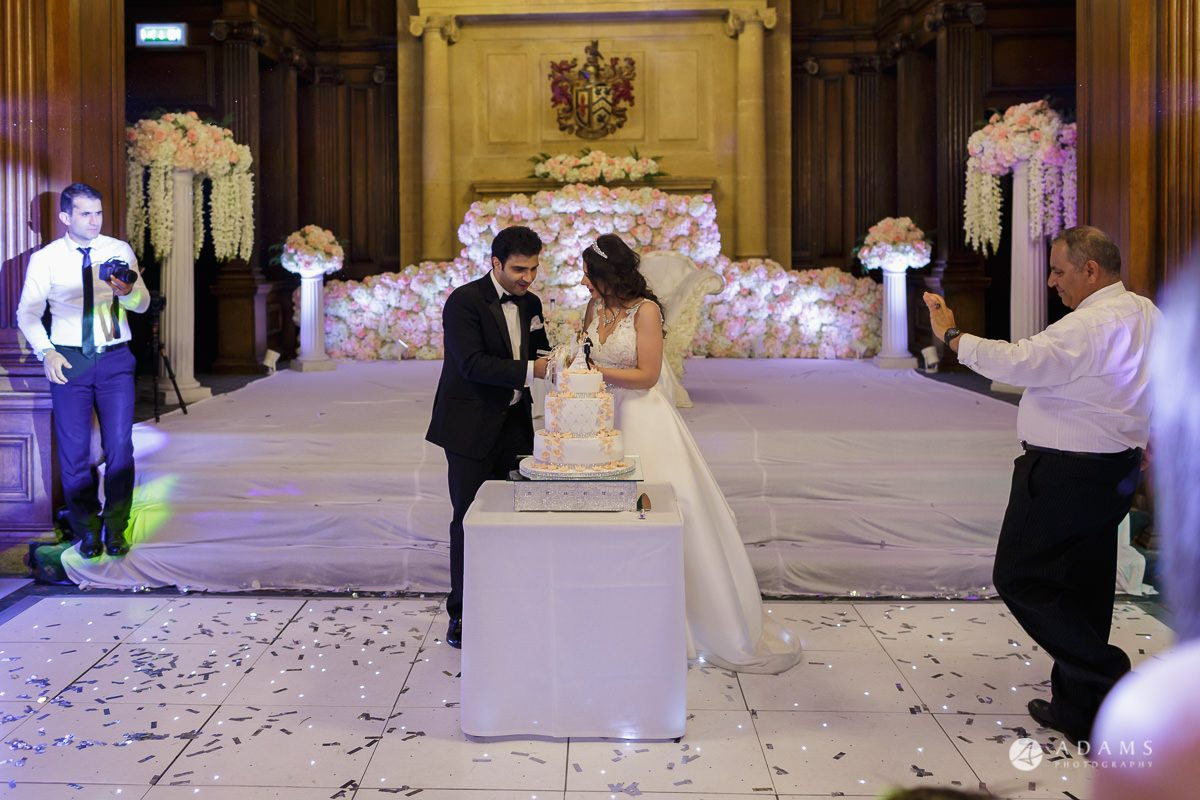 pinewood studios wedding photography cake cutting