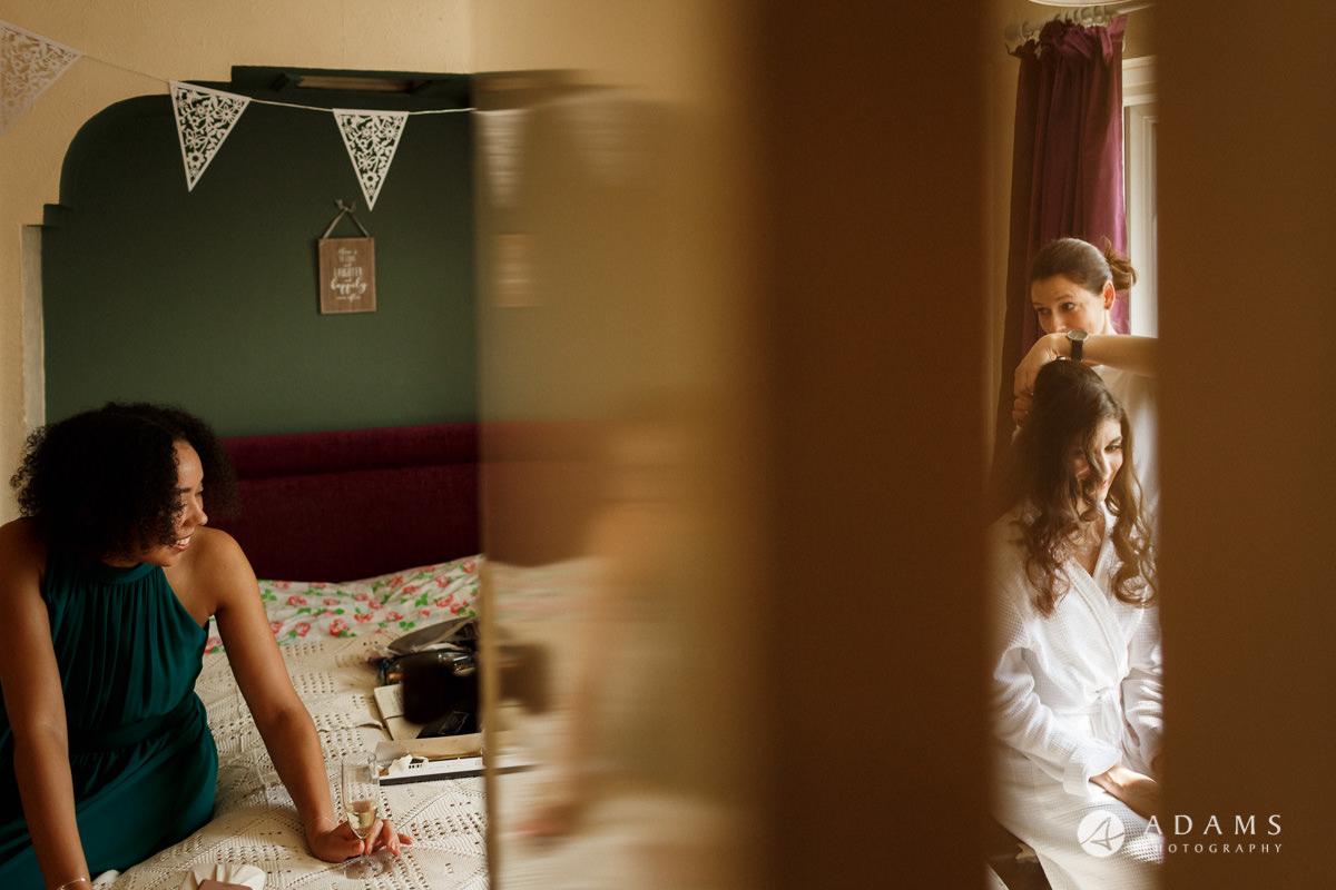 Royal Holloway Wedding bridal getting ready