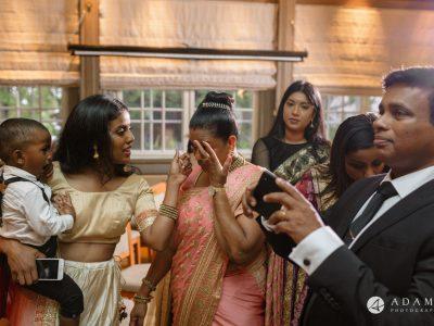 Oslo Wedding Photography mum in tears