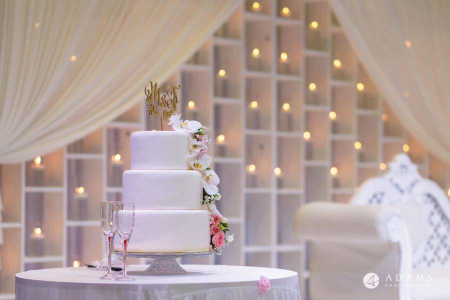 Norway Wedding Photography of the wedding cake