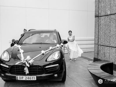 Norway Wedding bride arrive to the reception venue