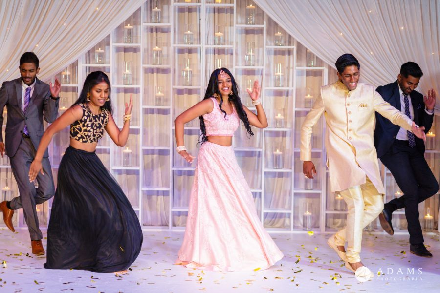 Oslo Tamil Wedding bride and groom performance
