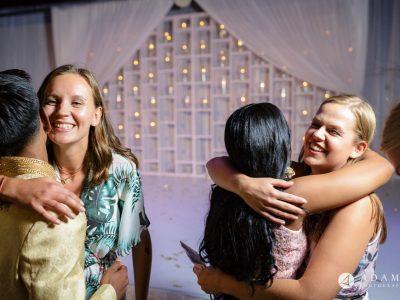 Oslo Tamil Wedding hugging