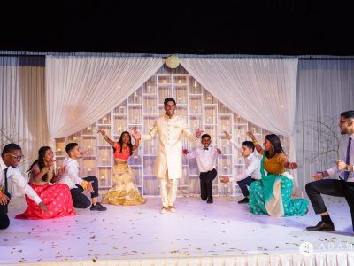 Oslo Tamil Wedding bride and groom on the stage dancing