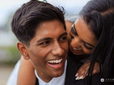 Engagement Photos Oslo couple smialing