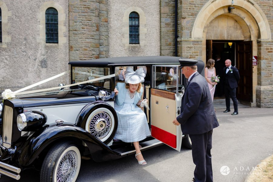 st donats castle wedding brides mother getting of the car