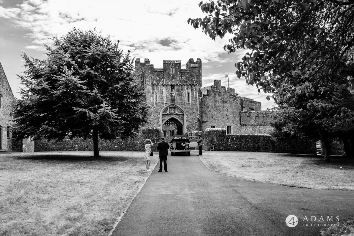 st donats castle wedding couples arrival