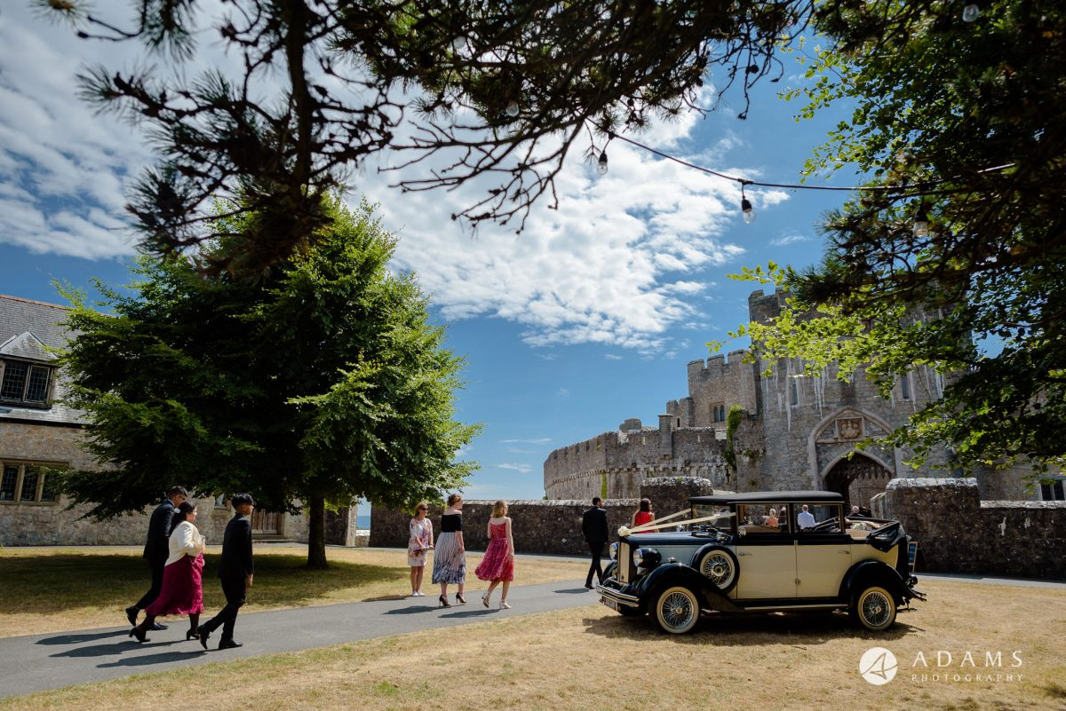 st donats castle wedding guests arrive