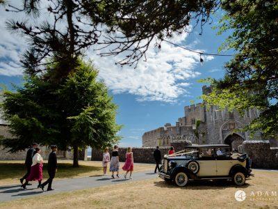 st donats castle wedding guests arrive