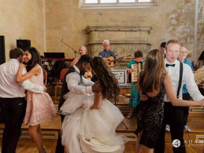 st donats castle wedding couple is dancing