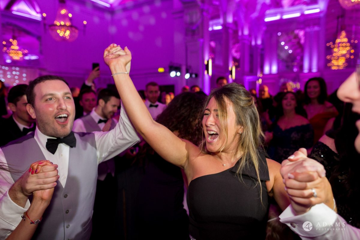 De Vere grand connaught rooms photographer guests have great time dancing