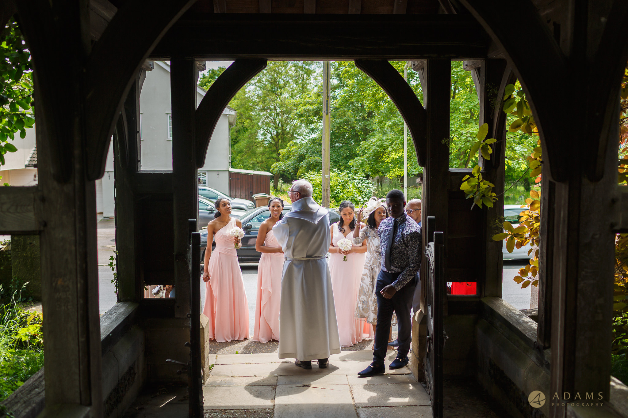 bride arrives to the church