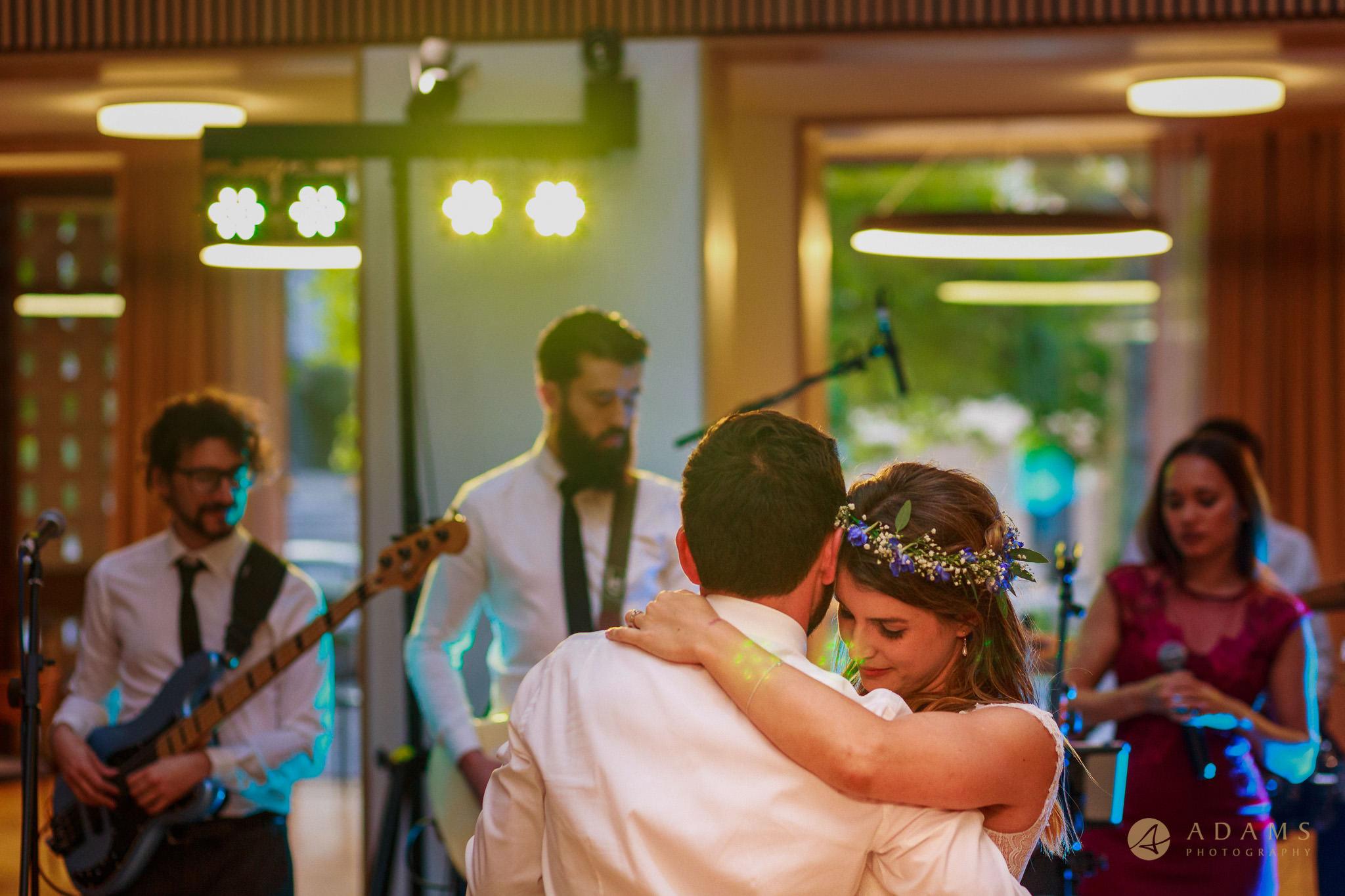 Wedding photographer Cambridge first dance